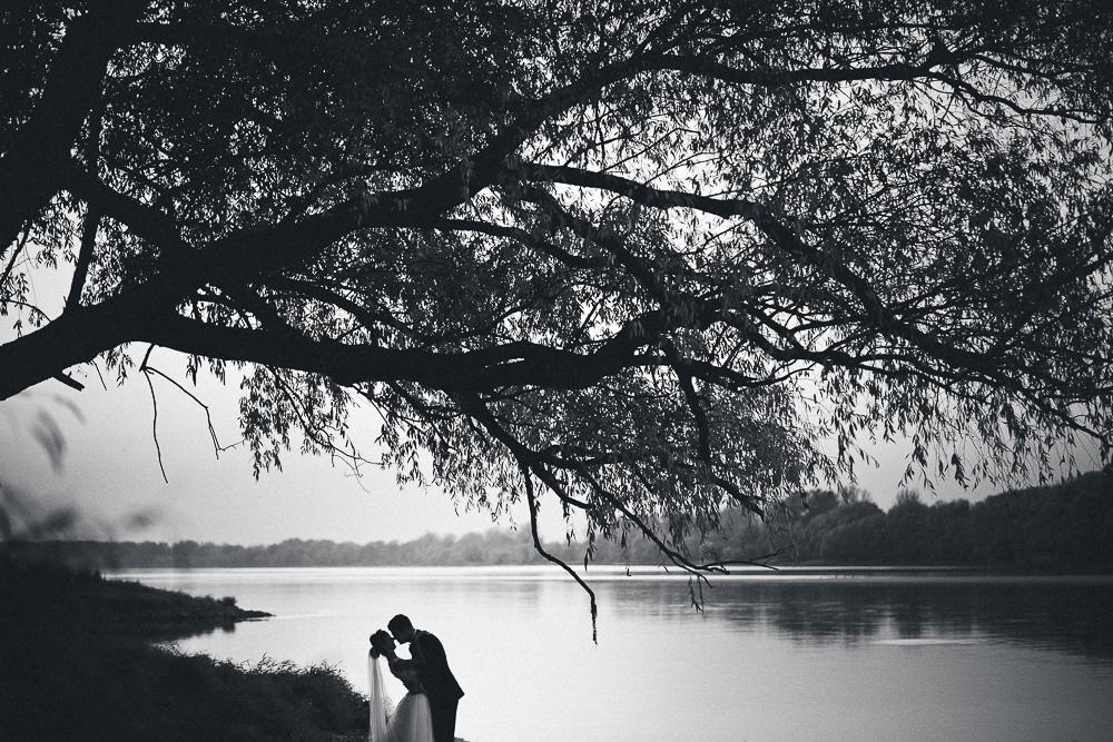 reportaż ślubny toruń, miejsca na sesję w toruniu, fotograf ślubny toruń